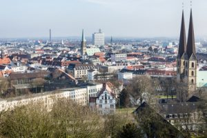 Blick von der Sparrenburg auf Bielefeld, Nordrhein-Westfalen