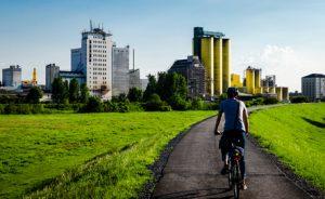 Hochhäuser Hamm mit Fahrrad